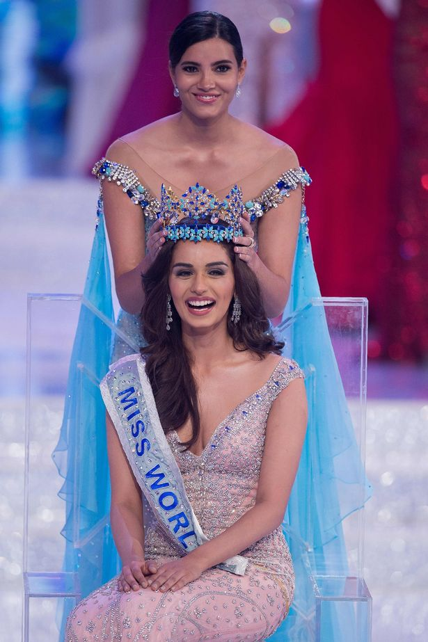 ormer Miss World 2016 Stephanie Del Valle crowns Miss India Manushi Chillar as the new Miss World (Image: AFP)